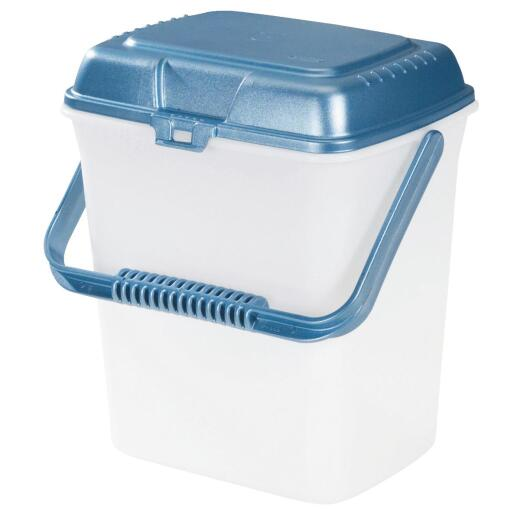 Rubbermaid 2.25 Gal. Plastic Food Canister